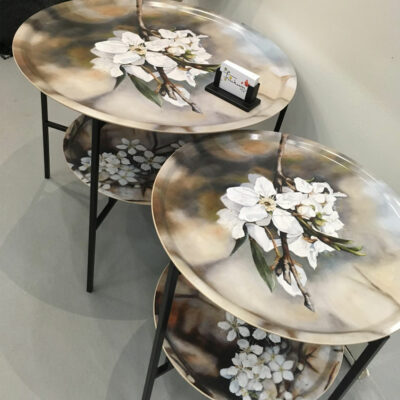 Tray table by Frickum